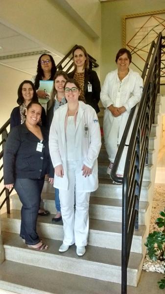 Profissionais da FPA e equipe do Hospital Américo Brasiliense.